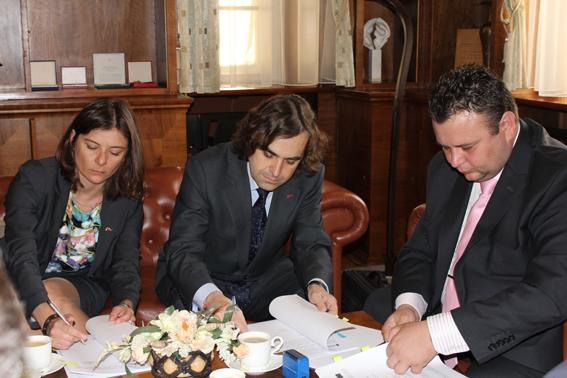 Firma de contrato para la gestión de la flota de transporte de Szczecin en Polonia