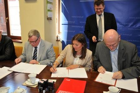 Firma de contrato en Polonia
