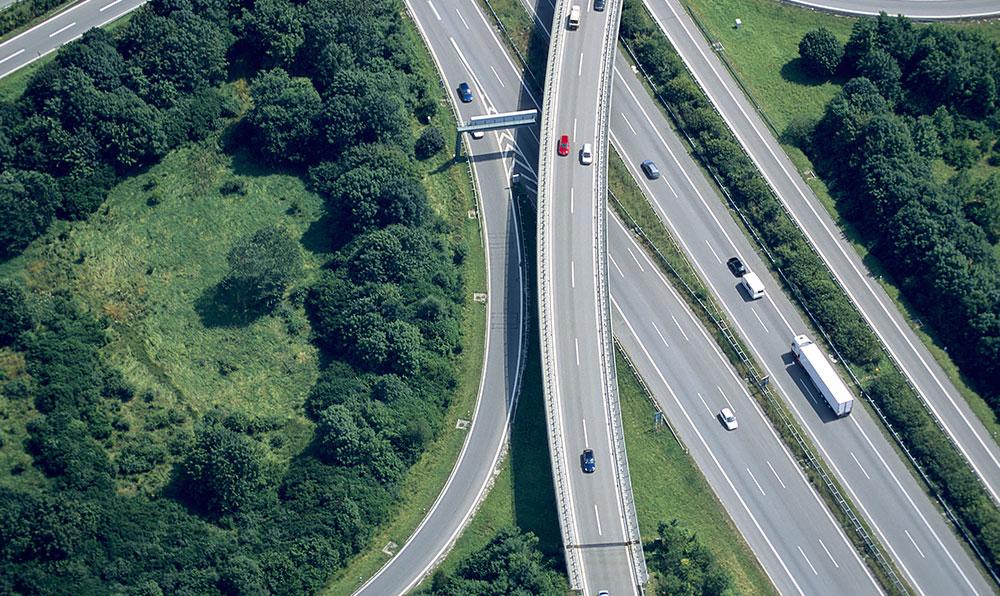 Imagen cenital de autopista