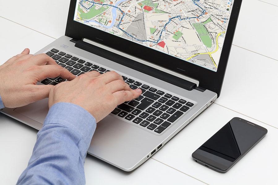 seguimiento de vehículo sobre cartografía